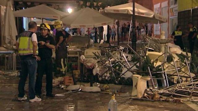 Escombros tras la explosión.