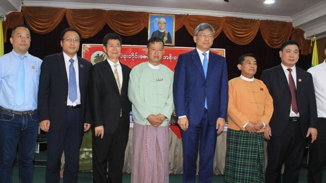 MOU လက်မှတ်ထိုးခဲ့ကြတဲ့ တရုတ်သံအမတ်အဖွဲ့နဲ့ ပဲခူးတိုင်းဝန်ကြီးချုပ်
