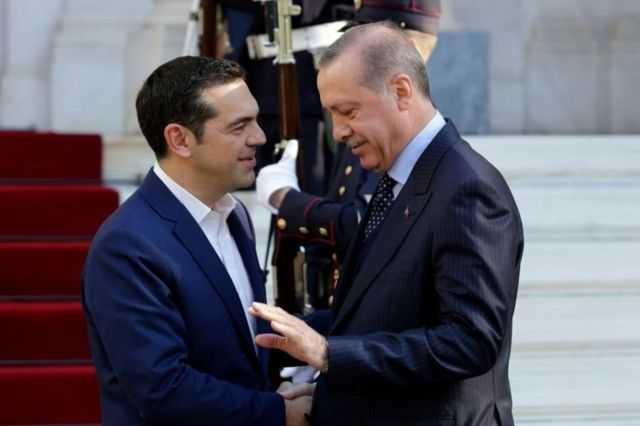Madaxweyne Erdogan iyo Ra'iisul wasaarihii Giriigga Alexis Tsipras xilli Erdogan uu booqasho ku tegay Athens sannadkii 2017-kii