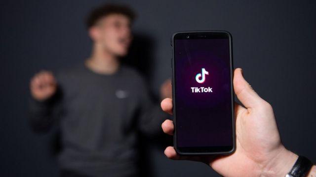 L'application TikTok sur un téléphone.