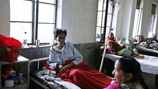 ভারতের একটি হাসপাতালের ওয়ার্ডের চিত্র