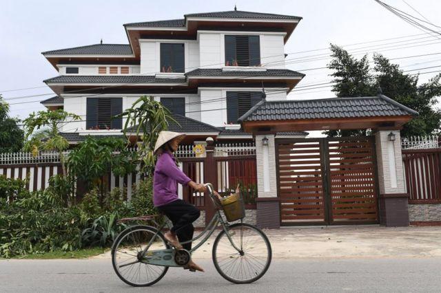 Nghệ An 'xây thác chín tầng' trị giá 1.625 tỷ VND ở Nam Đàn _119895611_gettyimages-1229019398