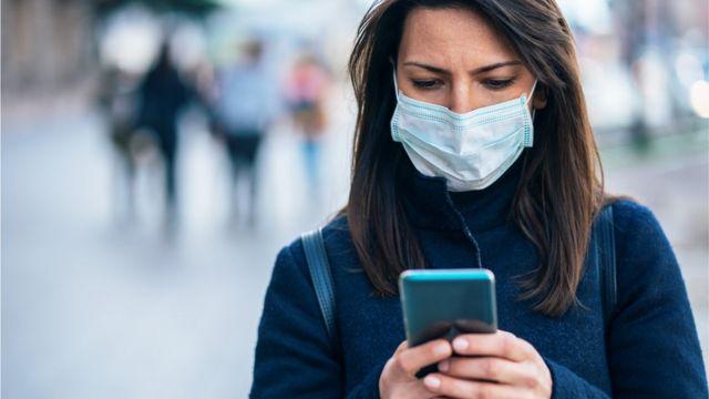 Sahte haberler ve aşı hakkındaki komplo teorilerini sosyal medyada görmek mümkün