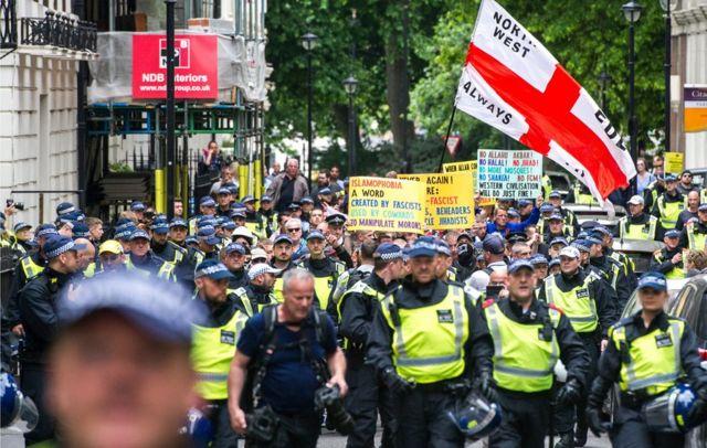 Marcha da English Defence League