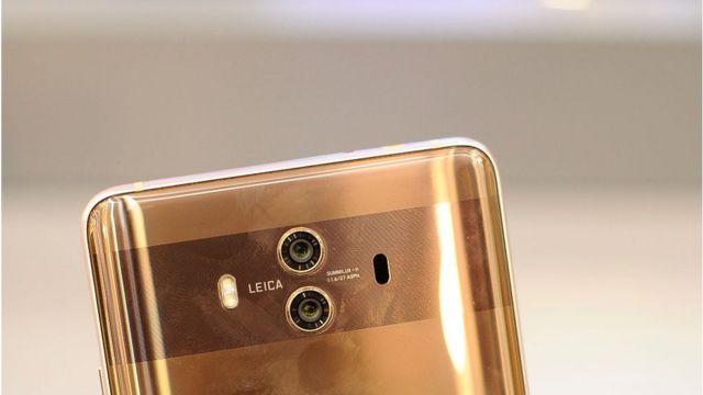 Mẫu điện thoại Huawei Mate 10 Pro với camera Leica