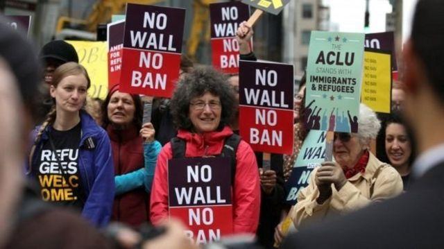 seyahat yasağı protestosu