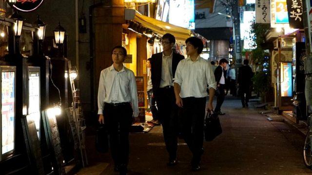 В Японии похвалы на работе не приняты. В лучшем случае вас пригласят вместе выпить