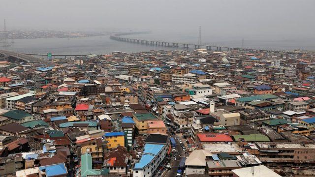 Les Bailleurs Au Nigeria Peuvent Exiger Plus De 11 Millions Fcfa De Loyer A L Avance Bbc News Afrique