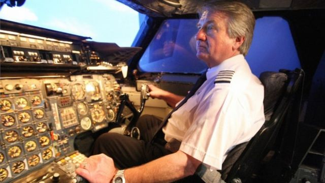 Mike Bannister aliendesha ndege ya mwisho ya Concorde ya kmapuni ya ndege ya British Airways