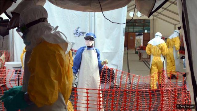 抗埃博拉病毒的疫苗在2014年到16年埃博拉病毒爆发时开始使用,但有关这种病毒的研究早在2003年已开始。