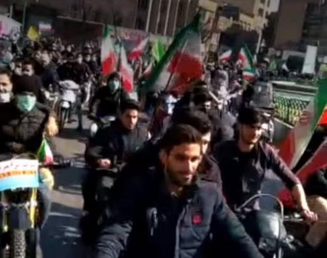 رژه موتورسواران در اصفهان علیه حسن روحانی