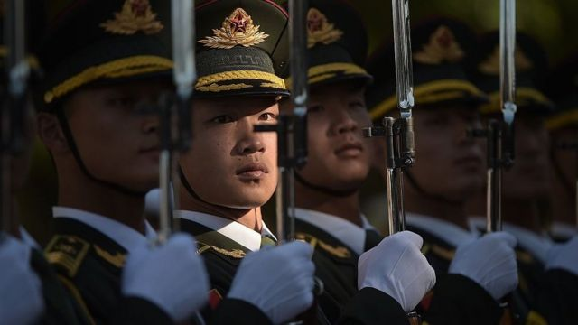 中国官媒称,中国现有退役军人5700万,这个数字以每年几十万的速度递增。