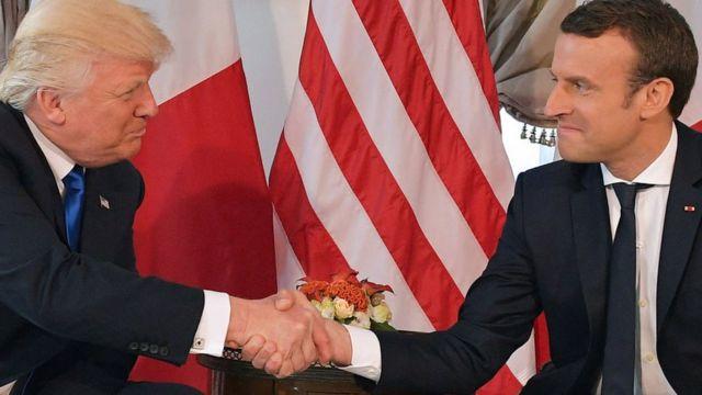 Trump y Macron se dan la mano