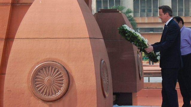 ஜாலியன்வாலா பாக்கில் முன்னாள் பிரிட்டன் பிரதமர் டேவிட் கேமரூன்