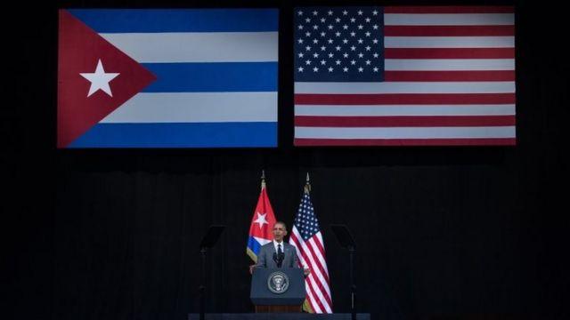 ハバナ大劇場で演説するオバマ米大統領(22日)