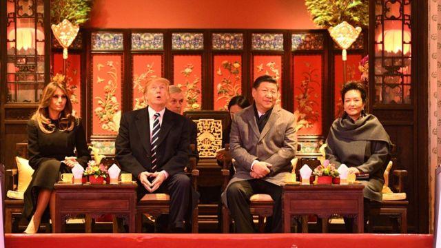 Los presidentes estadounidense y chino, Donald Trump y Xi Jinping, junto a sus esposas en Pekín.