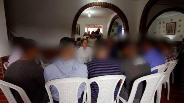 กลุ่มทหารผู้แปรพักตร์ให้สัมภาษณ์บีบีซีโดยไม่เปิดเผยชื่อจริง