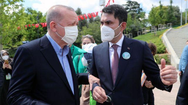 Cumhurbaşkanı Erdoğan ile Çevre ve Şehircilik Bakanı Kurum.