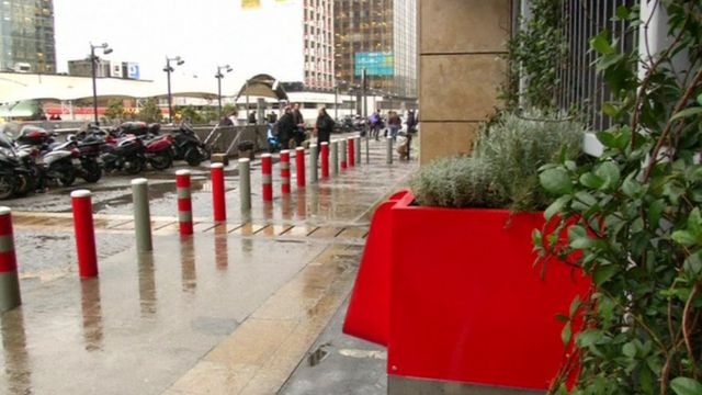 مبولة لتسميد النباتات عضويا في باريس.
