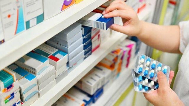 Cajas de antibióticos.