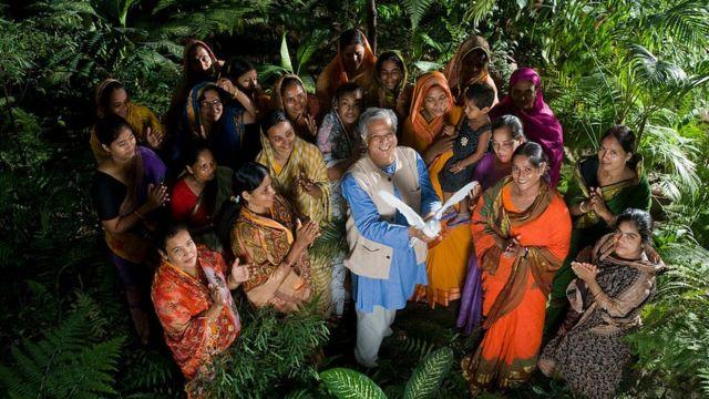 Mujeres en Bangladesh del banco Grameen