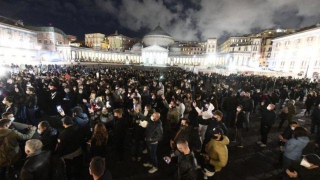 Napoli'deki protesto gösterisi