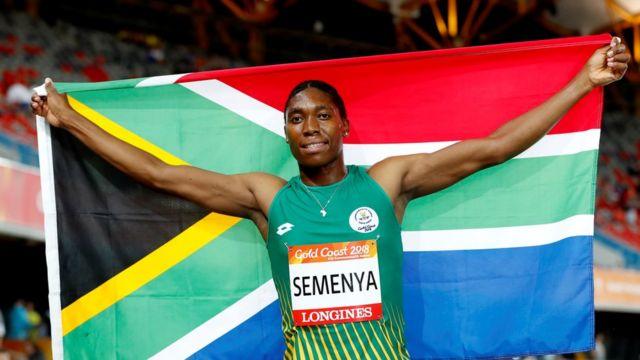 Semenya com bandeira da África do Sul