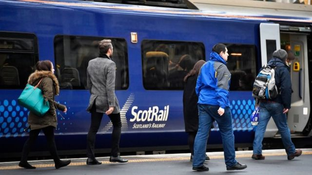 Scottish jobseekers offered free rail travel