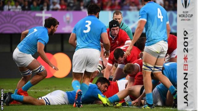 Prop Nicky Smith's close-range try was all Wales had to show from a lacklustre first half against Uruguay