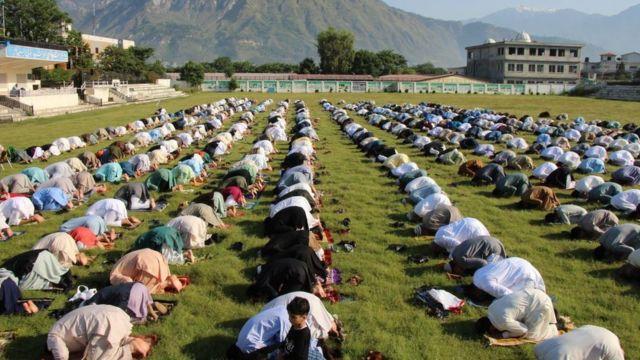 الصلاة في مظفر أباد