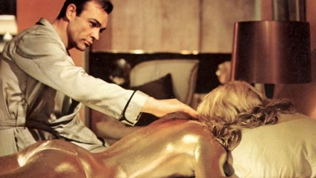 Sean Connery & Shirley Eaton in Goldfinger