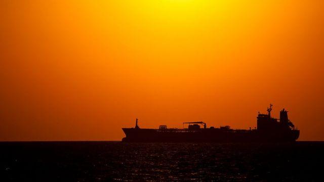 Иранский нефтяной экспорт - главная цель санкций США