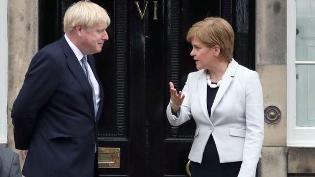 بوریس جانسون و نیکولا استورجن در مورد برگزیت و استقلال اسکاتلند با یکدیگر اختلاف دارند