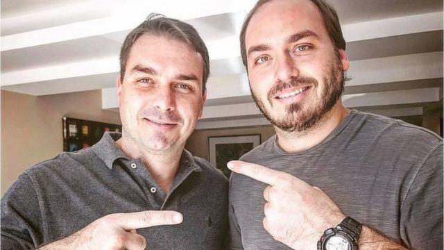 Os irmãos Flávio e Carlos Bolsonaro