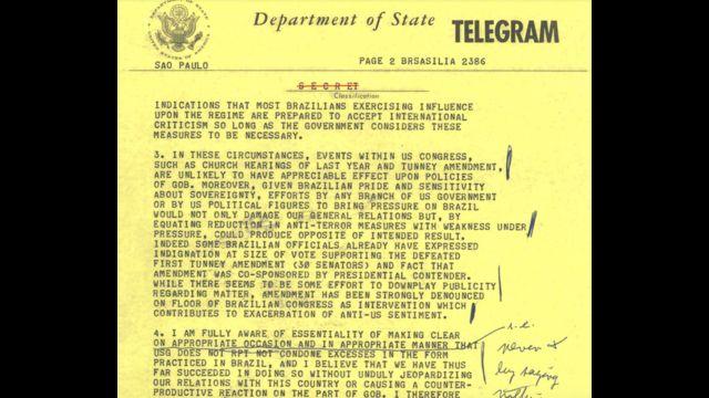 reprodução de telegrama em inglês, datilografado e com anotações manuscritas