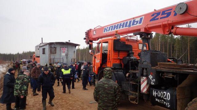 Эвакуация вагончиков. Фото 21 апреля 2019 года