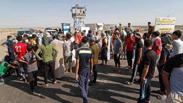 تظاهرت أعداد من العراقيين ضد البطالة