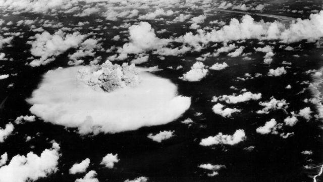 Взрыв на атолле Бикини в 1946 году