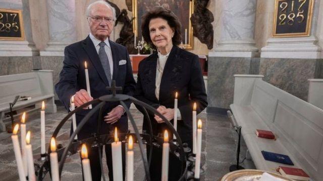 Raja dan Ratu Swedia mengirim ungkapan duka.