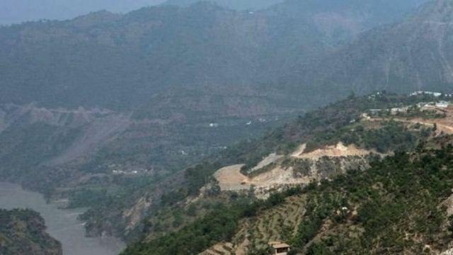 કાશ્મીરના ઉરીમાં સૈન્યના મુખ્યાલય પર 2016માં હુમલા બાદ ભારતે જળ વિવાદ વિશે દિલ્હીમાં યોજાનારી બેઠક રદ્દ કરી હતી.