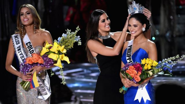 Miss Philippines Pia Alonzo Wurtzbach being crowned winner of Miss Universe