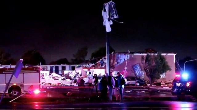Oklahoma tornado: Two killed and several injured in El Reno