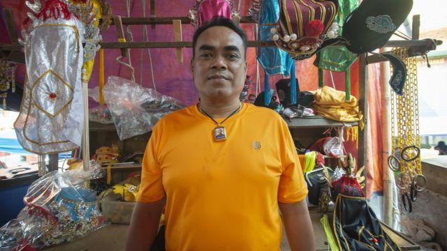 ธัชชัย อบทอง อายุ 54 ปี