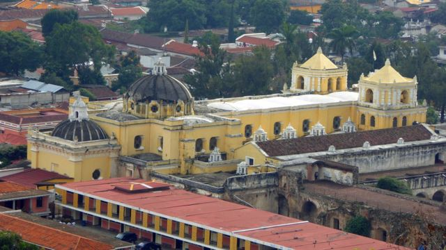 Город Антигуа в Гватемале