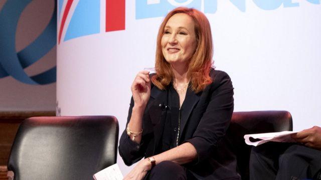 JK Rowling es la autora de la serie de libros de Harry Potter.