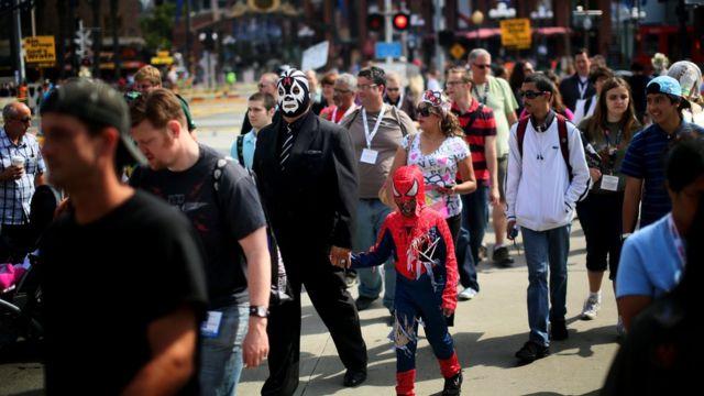Fãs na fila da Comic-Con de San Diego
