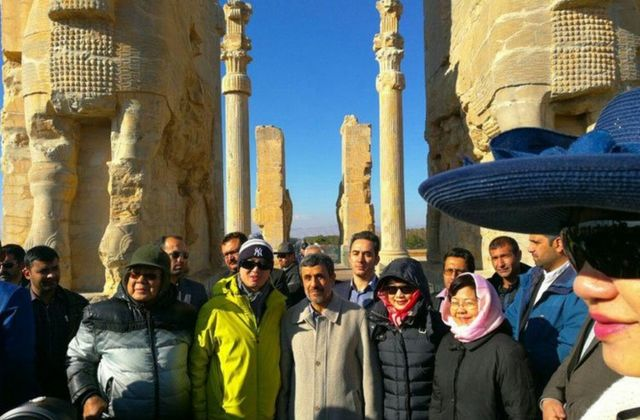 آقای احمدینژاد بعد از پایان ریاست جمهوری هم به پاسارگاد و آرامگاه کوروش رفت