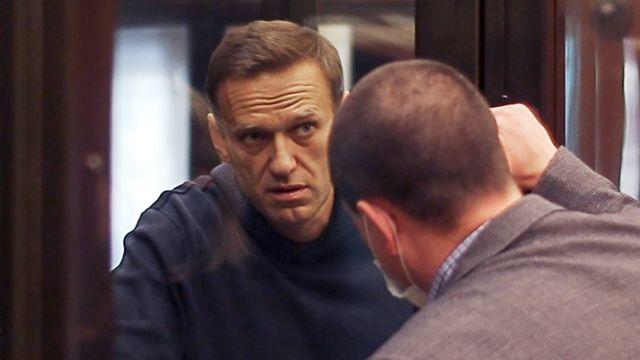Навальный с адвокатом