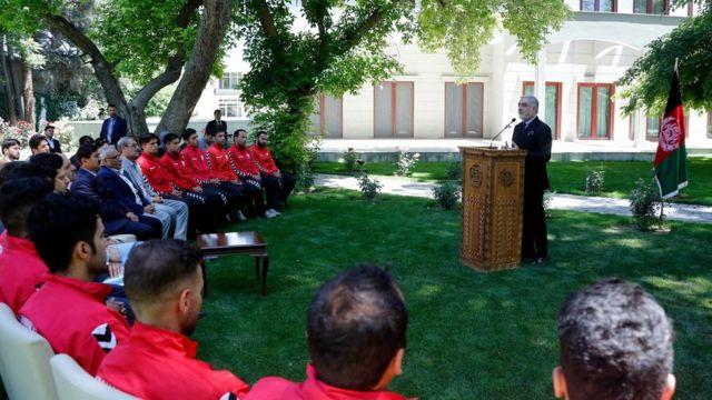 این آپارتمانها پنج سال بعد از قهرمانی تیم ملی فوتبال افغانستان به آنان داده شد