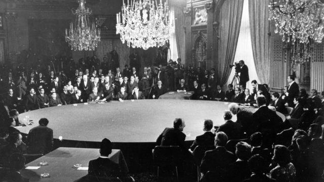 Toàn cảnh lễ ký kết Hiệp định Paris ngày 27/1/1973 tại Paris.